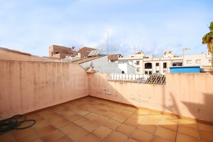 New townhouse for sale in the old town of Estepona, with private terrace