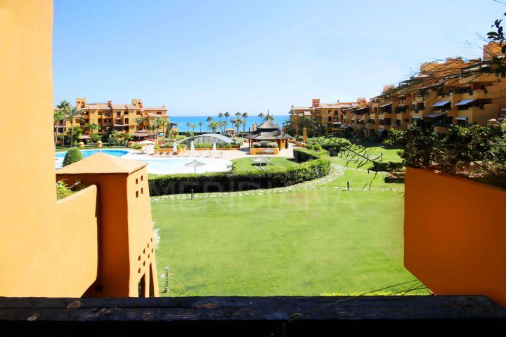 Beautiful 3 bedroom apartment for sale in Los Granados del Mar, Estepona