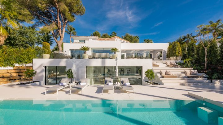 Sleek luxury villa for sale in Aloha, Nueva Andalucia, Marbella