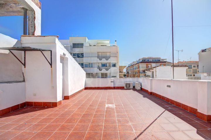 Beautifully reformed townhouse for sale in the Old Town of Estepona