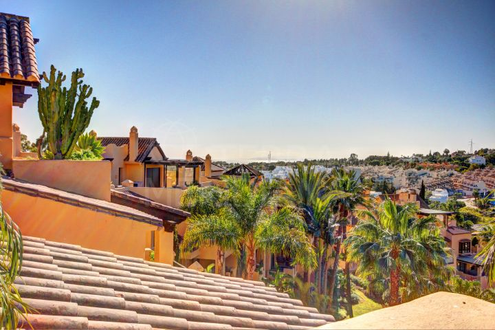 Beautiful duplex penthouse for sale in El Campanario, New Golden Mile, Estepona
