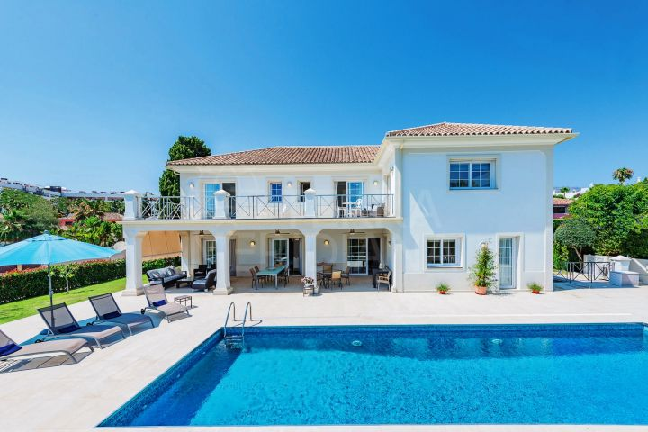 Luxury beachside villa for sale in Casablanca, Marbella Golden Mile