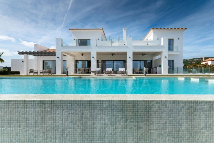 Auction opportunity! Contemporary style 6 bedroom villa with sea views in La Reserva de Sotogrande