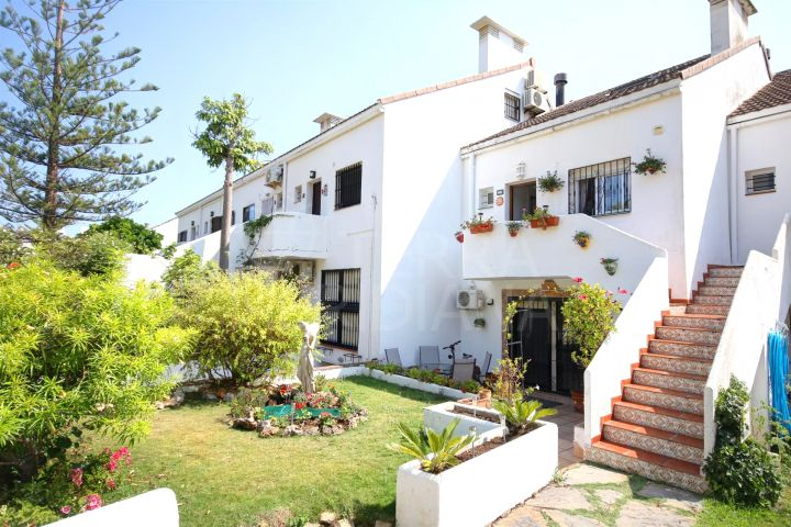 Family townhouse in Seghers with sea views, available for short term rent