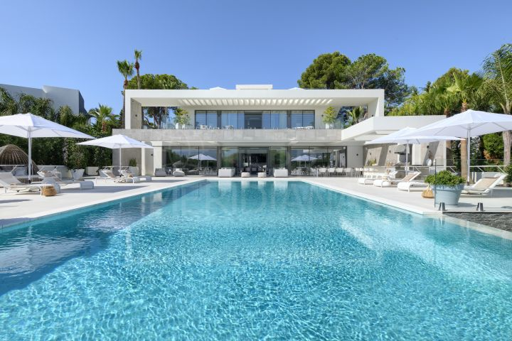 Superb new built contemporary style villa in front line golf position for sale in Nueva Andalucia, Marbella