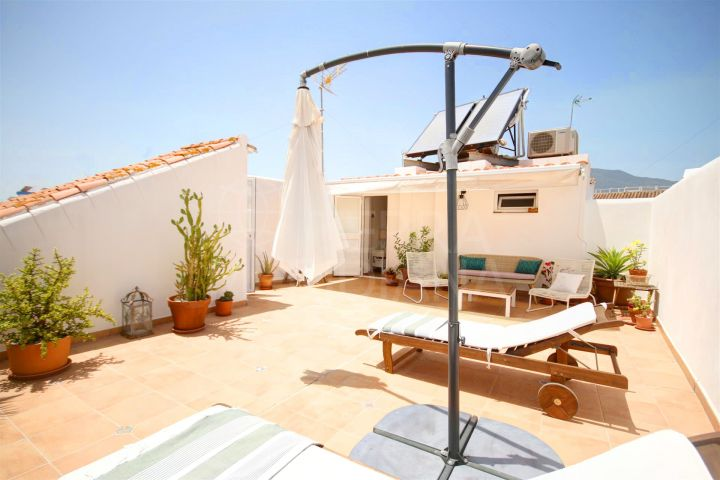 4 bed townhouse for sale in Estepona old town, with large solarium