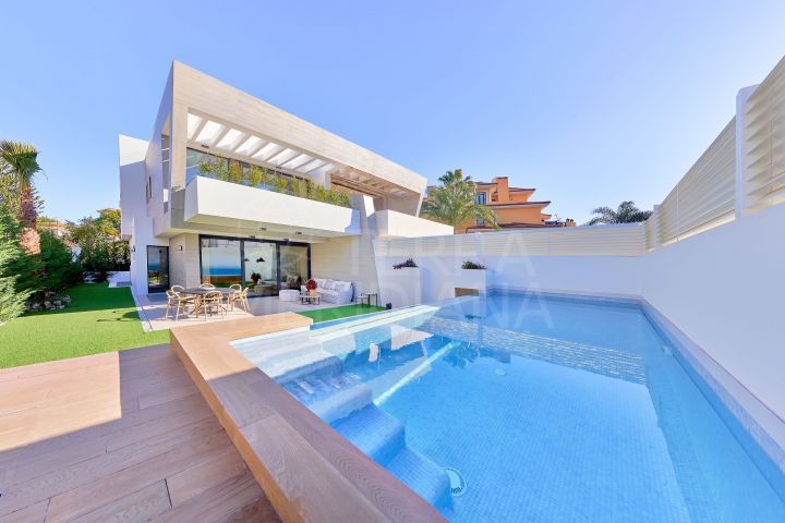 New build contemporary style luxury villa with 3 bedrooms for sale in Banus Bay, Marbella