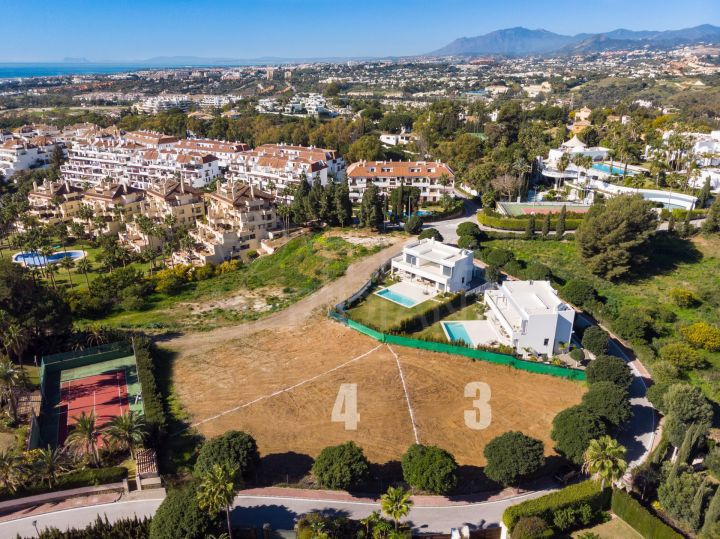Superb plot with project and building license for sale in Lomas de Marbella Club, Golden Mile