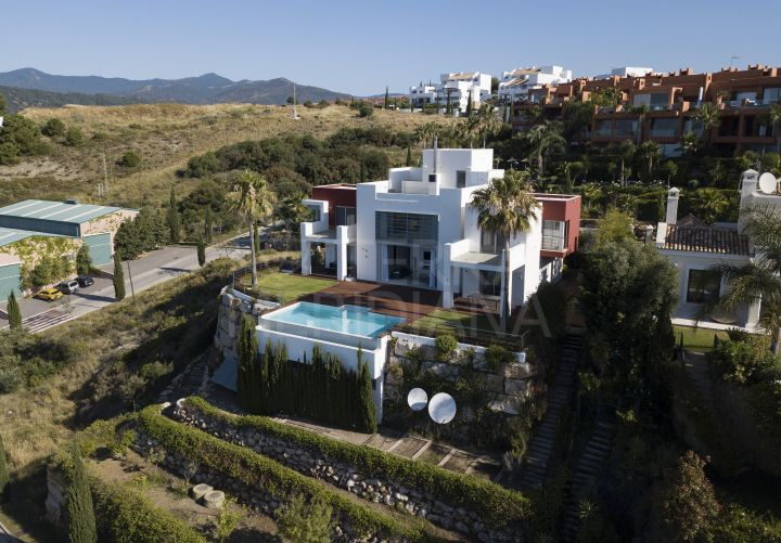 Spacious contemporary villa for sale in Los Flamingos, Benahavis