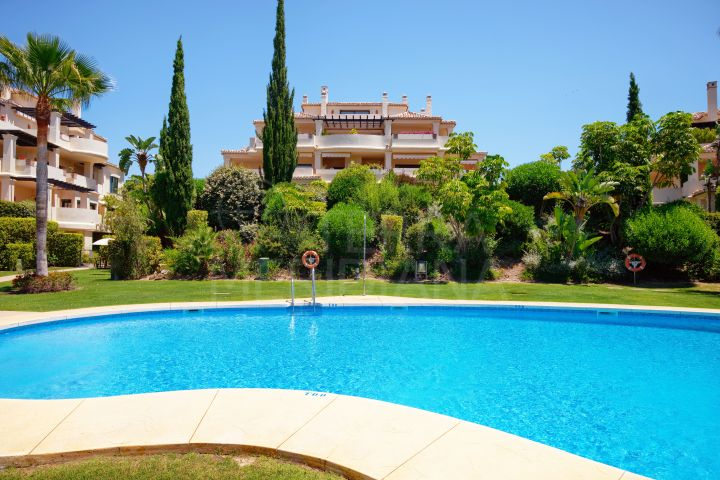 Beautiful 3 bedroom Duplex Penthouse for sale in Capanes del Golf, Benahavis
