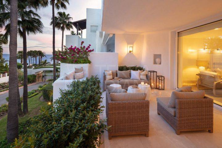Magnificently upgraded beachside apartment for sale in Puente Romano, Persian Gardens, Marbella