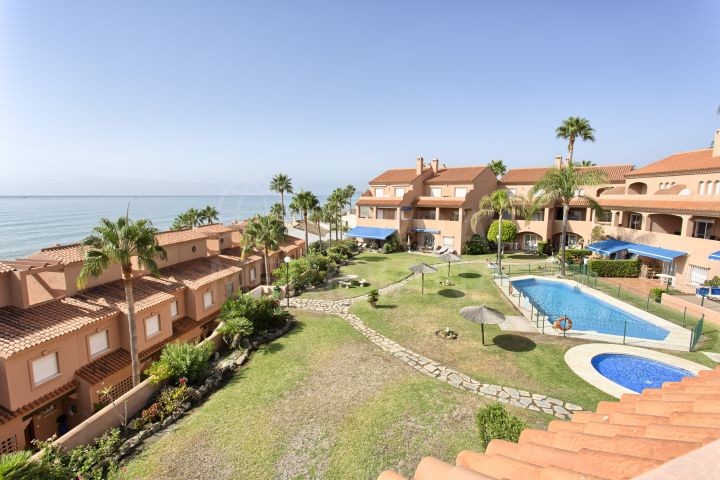 Duplex Penthouse 2 bedroom front line beach apartment for sale in La Gaspara, Estepona west