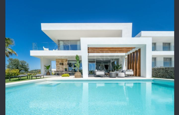 Superb recently completed 4 bedroom modern style villa for sale in Santa Clara, Marbella East
