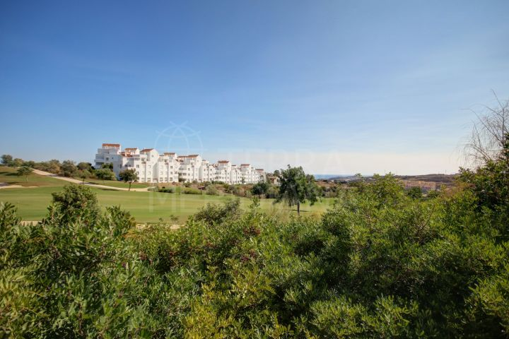 Well priced modern frontline golf apartment with 2 bedrooms for sale in Valle Romano, Estepona