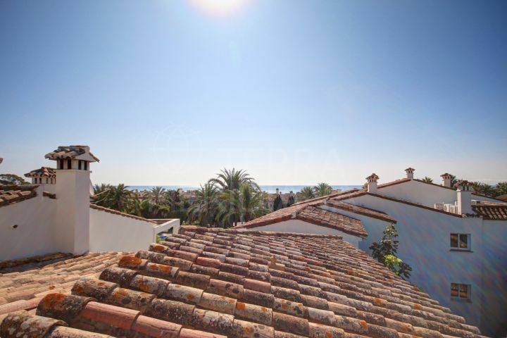 3 bedroom duplex penthouse for sale in Hacienda Beach, Estepona New Golden Mile