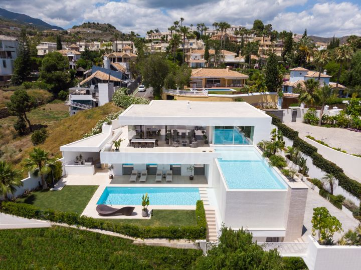 Ultra modern new build villa with 6 bedrooms and sea views for sale in El Herrojo, Benahavis