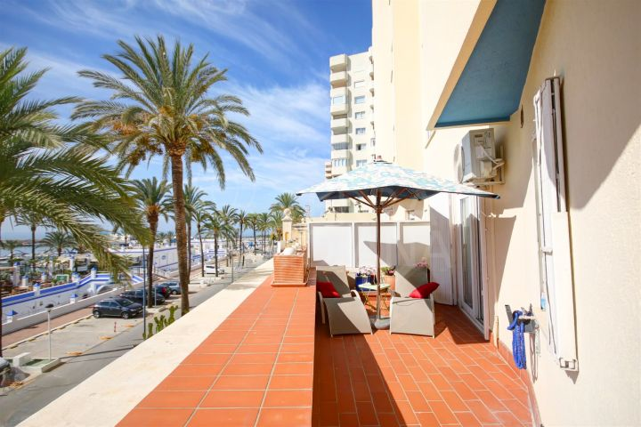 Ground floor apartment for sale with sea views in Puerto Paraiso, Estepona Port