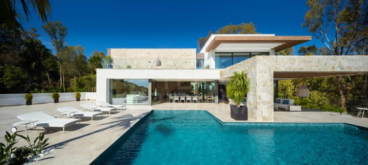 Fabulous brand new contemporary style villa with gorgeous sea views for sale in La Quinta, Benahavis