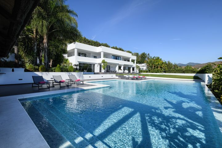 Contemporary style 7 bedroom luxury villa with sea and golf views for sale in Nueva Andalucia