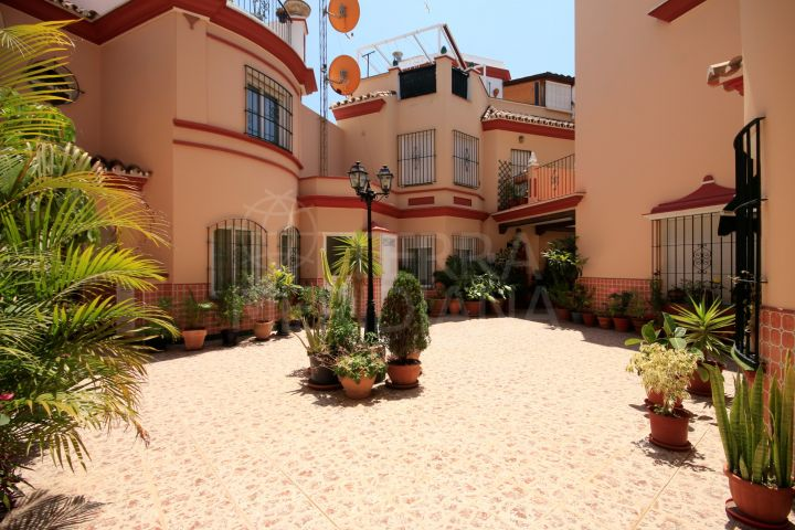 Townhouse for rent in Estepona old town centre walking distance to the beach