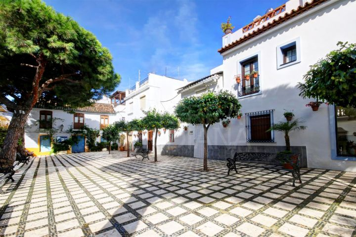 Large townhouse for sale in the old town of Estepona, short distance away from the beach