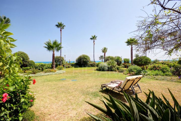 Front line beach!! Ground floor apartment for sale with sea views in Bahia del Velerin, Estepona