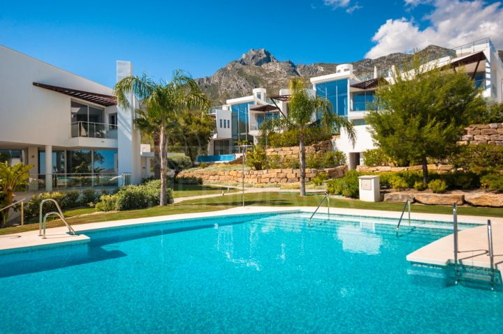 Contemporary 3 bed townhouse for sale in Sierra Blanca, Golden Mile, Marbella