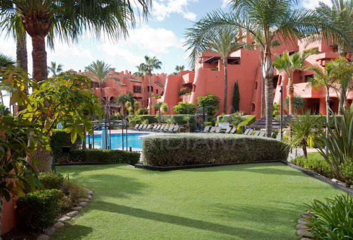 Lovely 3 bed ground floor front-line beach apartment for sale in Torre Bermeja, Estepona