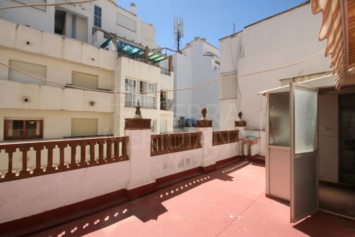 Townhouse for sale on main pedestrian street of Estepona pretty old town centre