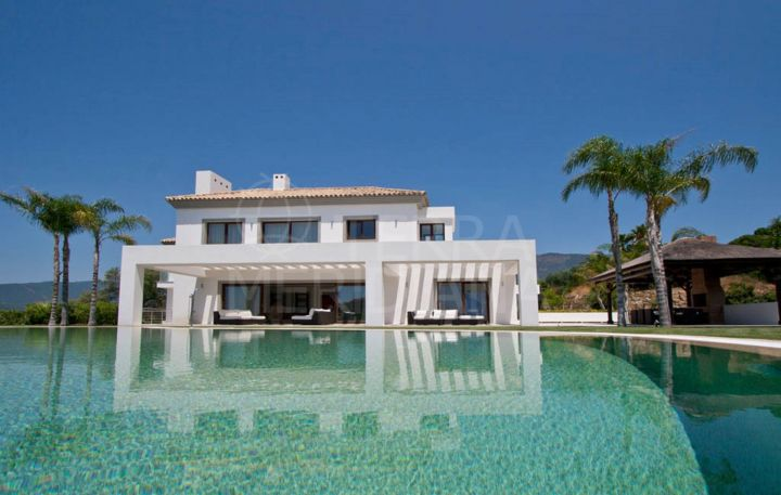 Signature villa for sale, with indoor and outdoor pools and views over the golf course, La Zagaleta, Benahavís