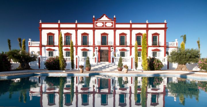 Historic country estate for sale, with pools in a stunning rural location between Seville and Ronda