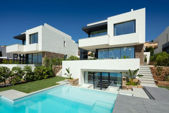 Scandinavian designed villas for sale in El Campanario Golf, with private pools and sea views