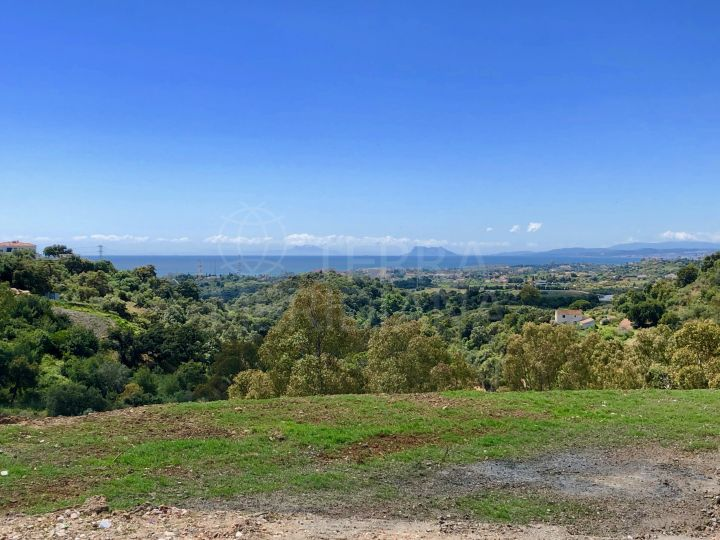 Large villa plot with far-reaching views for sale on the New Golden Mile, Estepona