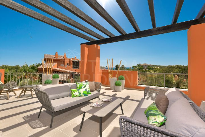Duplex penthouse with garden for sale in Alminar de Marbella, Nueva Andalucia