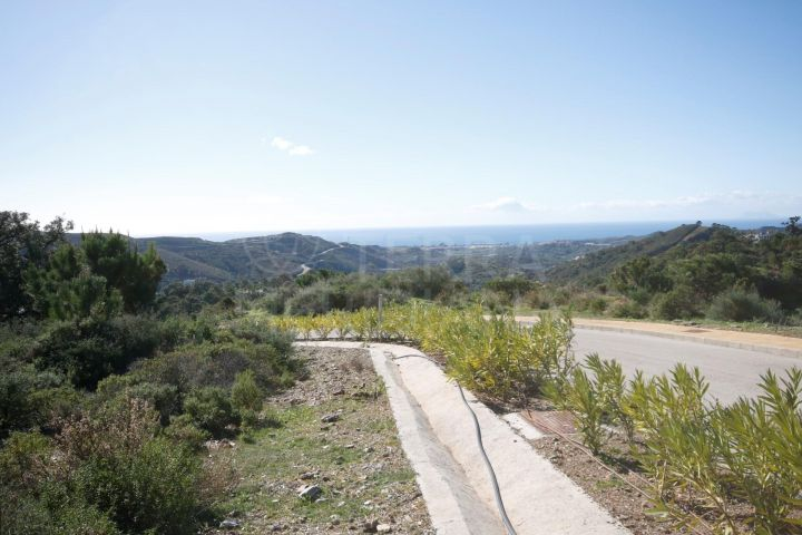 Stunning flat plot with magnificent views for sale in the Marbella Club Golf Resort, Benahavis
