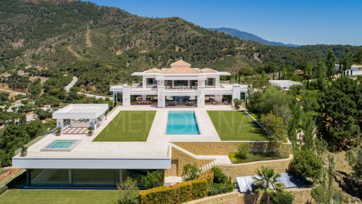 Exclusive: Heaven 11 - New luxury contemporary villa for sale, with panoramic views and indoor/outdoor pools, in La Zagaleta, Benahavís