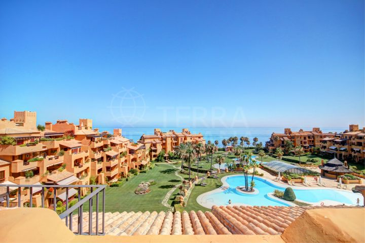Frontline beach beautiful south-facing duplex penthouse for sale in Los Granados del Mar, Estepona