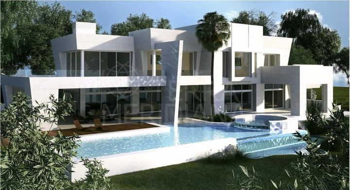 Plot for sale in La Reserva de Sotogrande with project for villa with pool and sea views