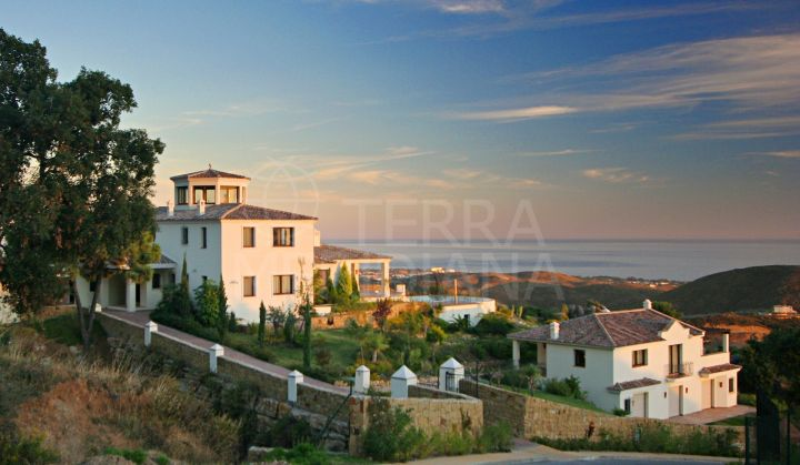 Andalusian 6 bedroom villa for sale in prime Marbella Club Golf Resort, with panoramic sea views