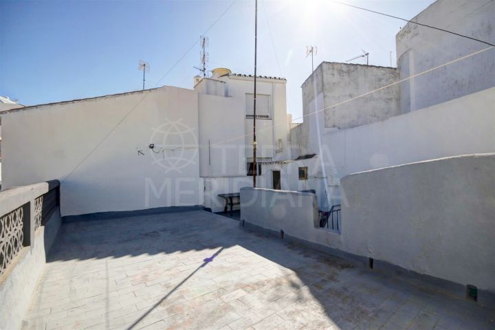 Townhouse for sale to reform on a charming street in the centre of Estepona´s old town