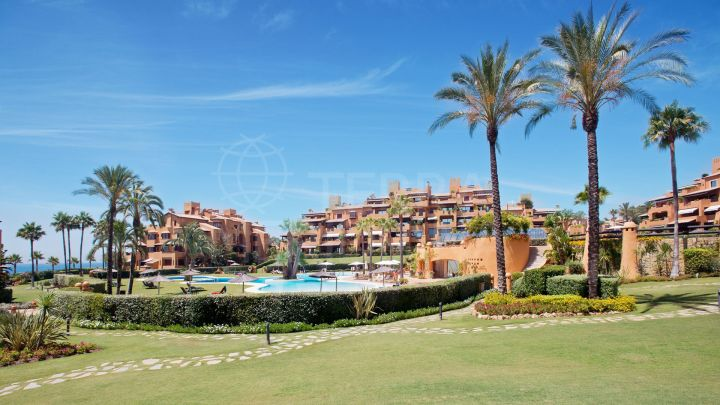 South and west facing corner ground floor apartment for sale in los Granados Del Mar, Estepona.