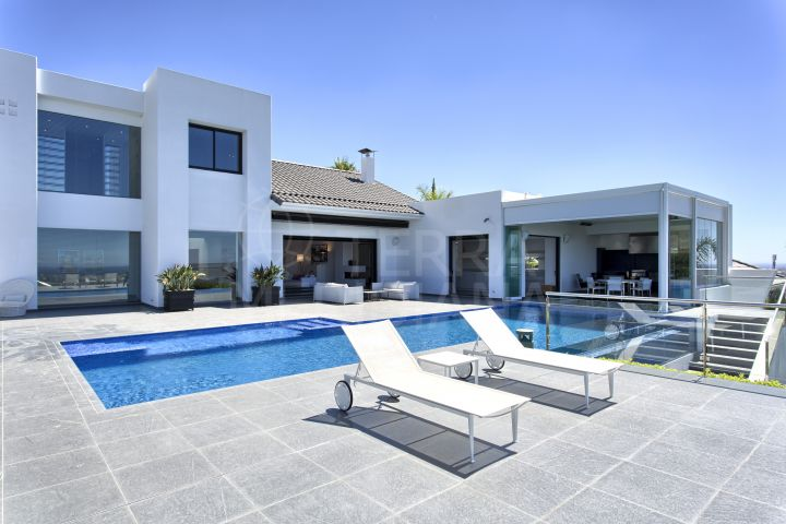 Contemporary villa for sale in Los Flamingos Golf Resort with spectacular sea views