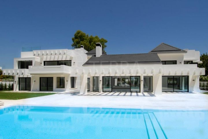 Brand new luxurious contemporary villa for sale, second line beach, Guadalmina Baja, Marbella