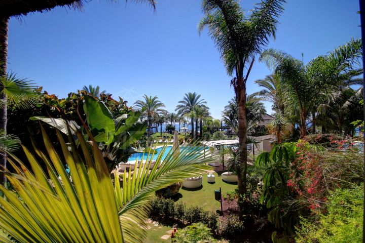 Immaculate ground floor apartment with sea views for sale in Kempinski Hotel, Estepona
