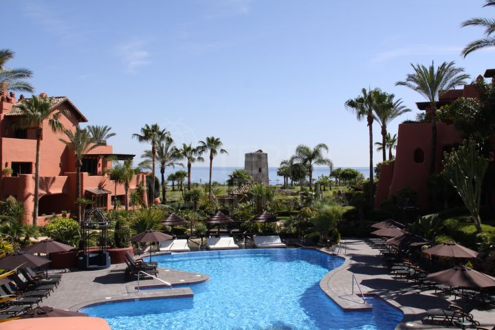 Ground floor apartment for sale in frontline beach complex of Torre Bermeja, Estepona