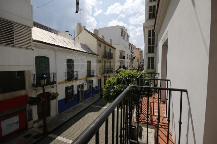 Townhouse for sale in superb location on the main street in Estepona old town, 100m from the beach