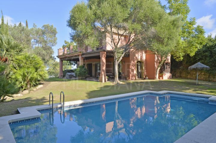 Elegant Mediterranean style 5 bedroom villa with a large park-like garden for sale in Sotogrande Alto