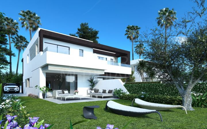 Semi-detached contemporary villa in the development of Oasis 22, La Resina Golf, Estepona