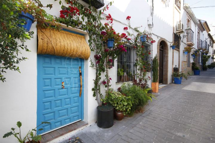 Charming townhouse completely reformed for sale in the centre of Estepona old town