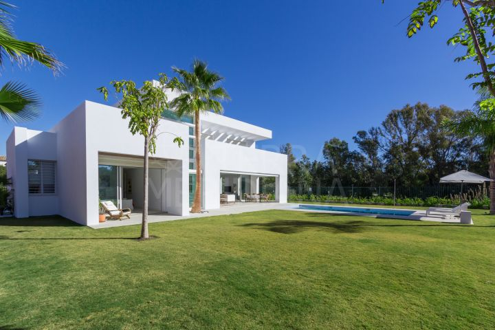 Exclusive brand new contemporary beachside villa for sale in Casasola, Guadalmina Baja, San Pedro de Alcantara
